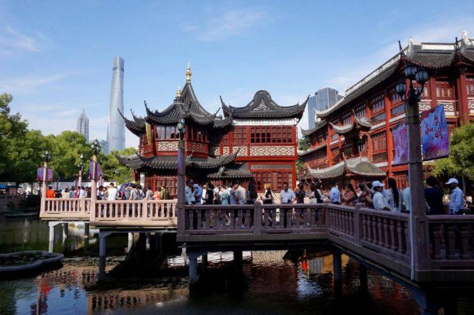 Phố cổ tạo dấu ấn cổ kính giữa các công trình hiện đại tại Thượng Hải. Ảnh: The Biggest Cities in China