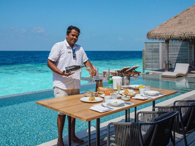 Hòn đảo có đội ngũ đầu bếp chuyên nghiệp riêng, có thể tạo ra thực đơn riêng tùy theo yêu cầu của du khách.
