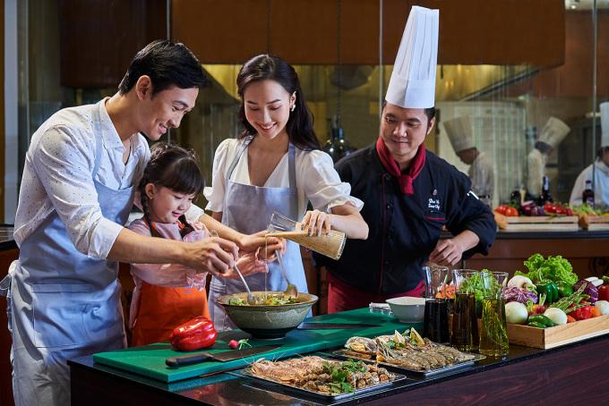 Du khách được thưởng thức các bữa ăn tại