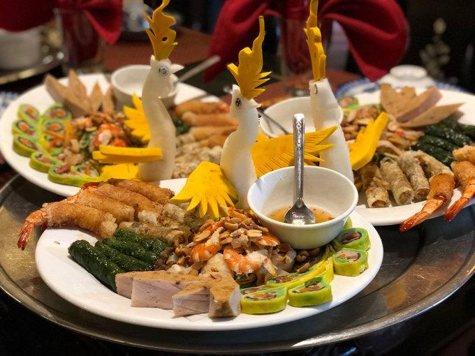 Nem công chả phượng, một món ăn biểu tượng của ẩm thực cung đình Huế. Ảnh: Bảo Ngân