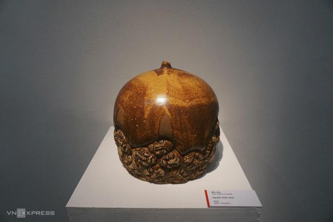 Tác phẩm Bầu sữa 2003 nguyễn khắc quân gốm