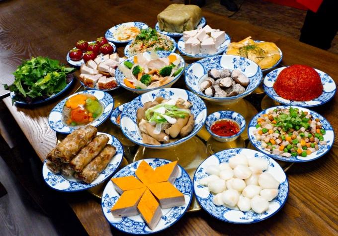 Mâm cỗ truyền thống Bắc Bộ. Ảnh: Nguyễn Phương Hải