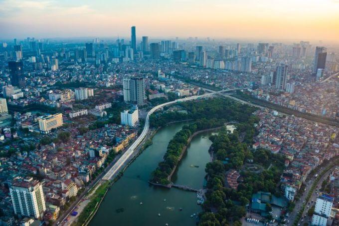 Nếu muốn ngắm toàn cảnh thành phố, bạn có thể ghé thăm tầng 65 của tòa nhà Lotte. Từ đây, bạn có thể ngắm nhìn cả khu phố cổ của thủ đô từ trên cao. Ảnh: Hani Santosa/ShutterstockĐịa chỉ: 54 Liễu Giai, Cống Vị, Ba Đình