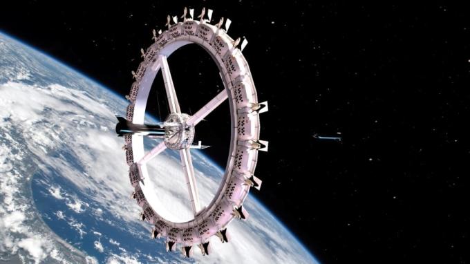 Ngày nay, nó được đổi tên thành Voyager Station (trạm Voyager). Khách sạn gồm 24 modules, kết nối với nhau bằng các trục thang máy tạo thành một bánh xe quay quanh trái đất.