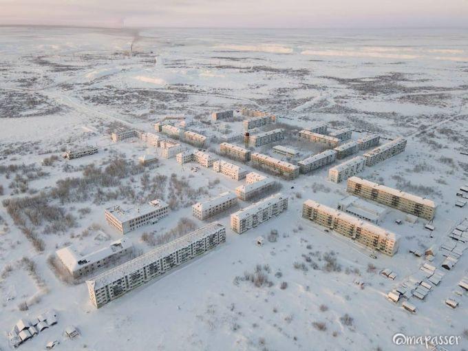 Thị trấn bỏ hoang Vorkuta. Ảnh: Maria Passer