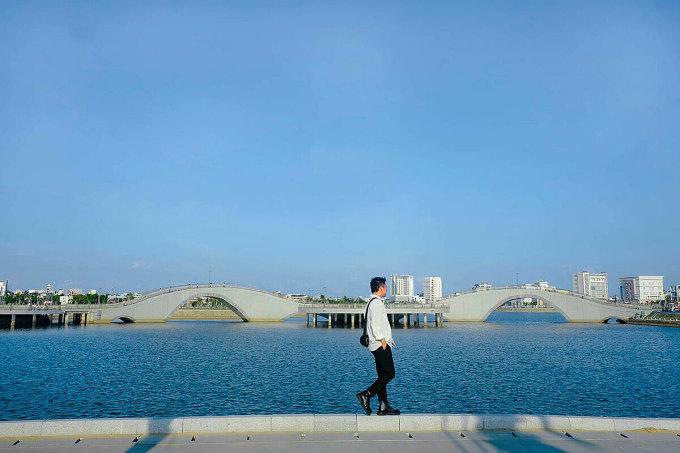Gần đây, giới trẻ địa phương và du khách đến Phú Yên thường ghé thăm 2 điểm đến mới, mang màu sắc hiện đại ở trung tâm thành phố Tuy Hòa.