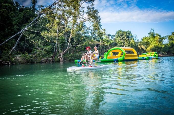 Water games attract tourists.  (Photo: Ba Ho Waterfall Nha Trang)