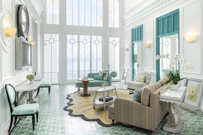 Phòng Suite Executive với view nhìn ra vịnh. Ảnh: JW Marriott Phu Quoc Emerald Bay Resort & Spa.