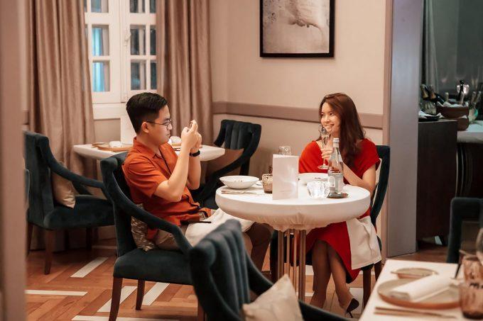 Các nhà hàng Pháp thích hợp cho buổi hẹn hò, trong đó Jardin Des Sens Saigon có không gian sáng, ấm cúng và sang trọng. Ảnh: Jardin Des Sens Saigon