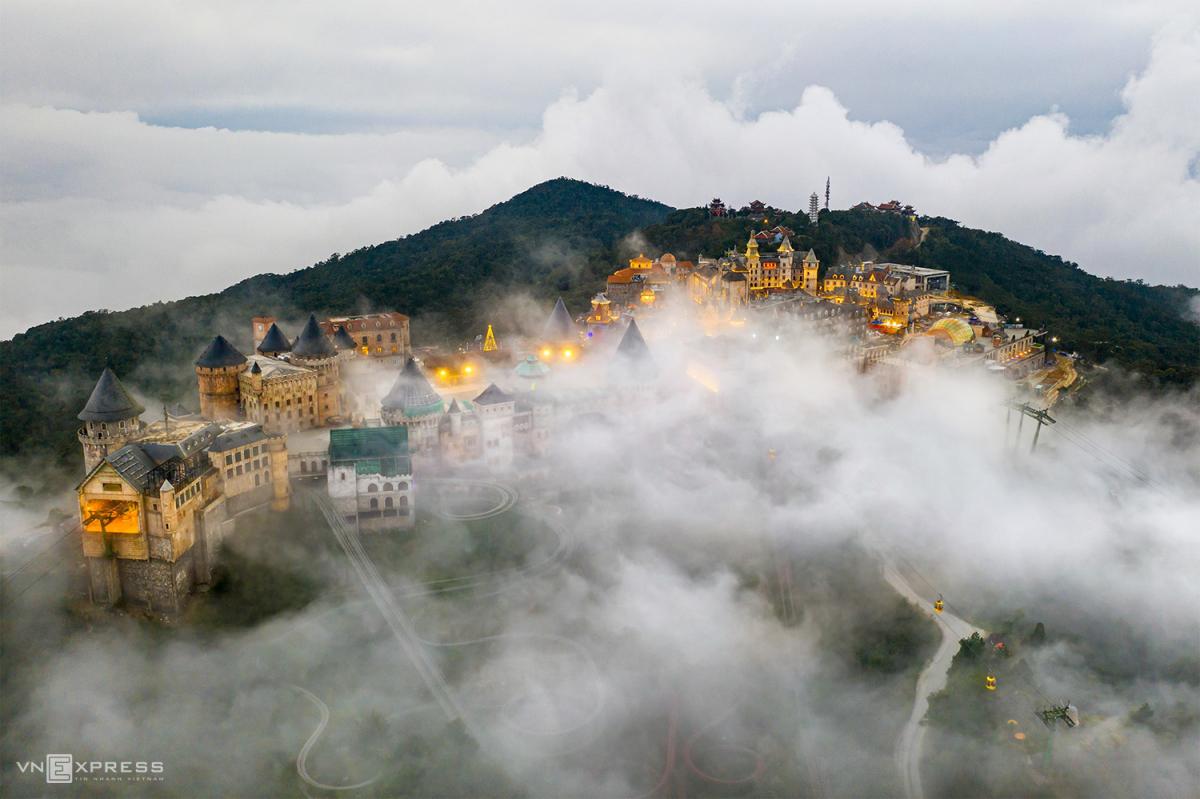 Đà Nẵng trong sương mây