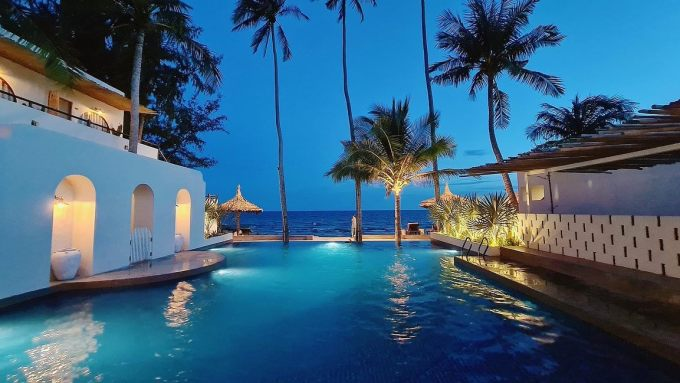 Tourists will spend 1.1 million - 2.2 million VND for a night here.  If booking through platforms like Agoda or Booking, guests will receive a discount of up to 59%.  Hotels, homestay in the same segment: Cesra Homestay (Nguyen Dinh Chieu Street, Mui Ne) 80,000 VND - 750,000 VND / night;  An Homestay (Nguyen Dinh Chieu Street, Mui Ne) 500,000 VND - 2 million VND / night.  Photo: Thong Tran