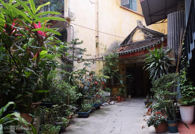 Biệt thự gần 100 năm tuổi bị lãng quên ở Hà Nội