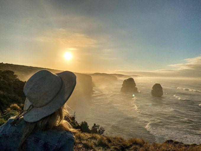Great Ocean, Australia (252 km, 5261 ảnh/km)Con đường này kéo dài tới hơn 252 km và không chỉ là tuyến đường đẹp mà còn là điểm tưởng niệm chiến tranh lớn nhất thế giới. Theo PMG, Great Ocean được xây dựng bởi những người lính sống sót trở về để tưởng nhớ các chiến sĩ đã hy sinh trong Chiến tranh thế giới thứ nhất.