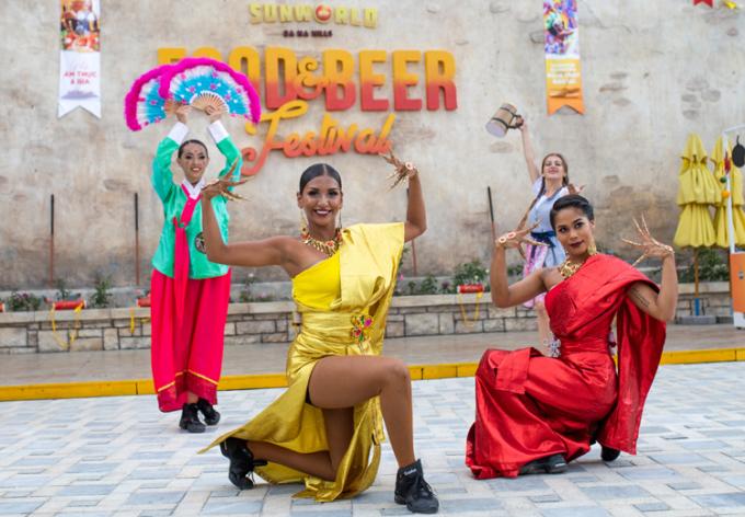 Những màn biểu diễn sôi động trong lễ hội ẩm thực và bia B'estival.