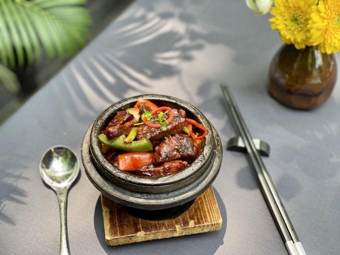 Bò xào tiêu đen - món ăn được nhiều thực khách yêu thích khi đến Lý Club.