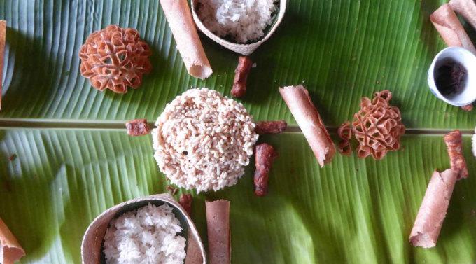 Người dân Lào thường làm các món xôi đặc biệt vào những ngày kỷ niệm tôn giáo. Ảnh: Sebastien Chaneac/Nomadicboys