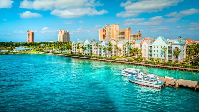 Bahamas chỉ chấp nhận bốn loại vắc xin: Pfizer, Moderna, Johnson & Johnson, và AstraZeneca. Ảnh: iStock