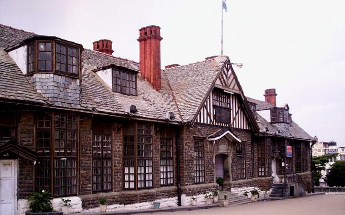 Hầu hết các tòa kiến trúc ở Shimla được xây dựng dưới thời thuộc địa đều mang đậm màu sắc châu Âu. Ảnh: @sushmab/Wikimedia Commons