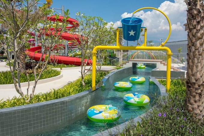 Du khách lưu trú tại đây được miễn phí sử dụng công viên nước.