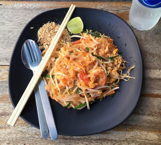 [Bất cứ khi nào chúng tôi thử món ăn Thái, chúng tôi sẽ thử pad Thai trước tiên vì đó là cách để đánh giá xem một nhà hàng ngon như thế nào, đầu bếp nguwòi bản xứ Nick Srisawat từng chia sẻ trên Gastronomica. Ảnh: Pixabay