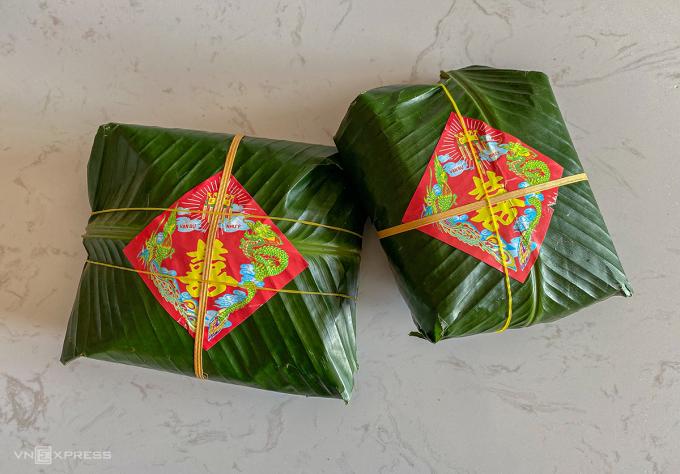 Bánh dày Quán Gánh được gói trong lá dong đẹp mắt, là lựa chọn cho nhiều đám cưới hỏi. Ảnh: Trung Nghĩa