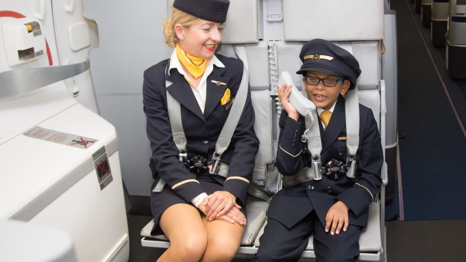 Lufthansa muốn gửi lời chào tới tất cả hành khách trên máy bay, và không muốn sử dụng lời chào mang tính phân biệt giới tính. Ảnh: News Market
