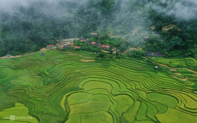 Du Lịch Cao Bằng khám phá làng cổ Hoài Khao.