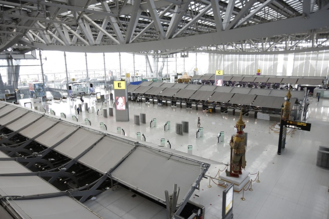 Một trong những sân bay lớn và bận rộn nhất thế giới, Suvarnabhumi của Thái Lan vắng khách trong Covid-19. Ảnh: Wichan Charoenkiatpakul/Bangkok Post