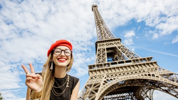 Ước tính có 65.000 bức ảnh selfie được chụp mỗi phút. Ảnh: Shutterstock