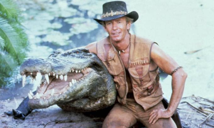 Du lịch Australia phát triển nhờ bộ phim Crocodile Dundee do tài tử Paul Hogan thủ vai chính. Ảnh: Moviestore/Rex/Shutterstock