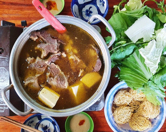 2 hot pot dishes that you never get bored with when you come to Da Lat - 2