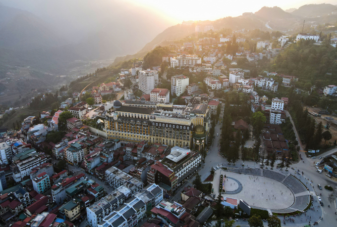 Trung tâm thị trấn Sa Pa nhìn từ trên cao. Ảnh: Giang Huy