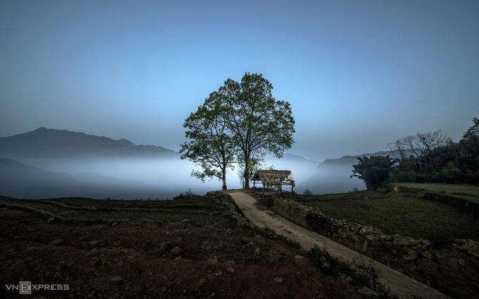 Mây trôi ở bản Choản Thèn, Y Tý lúc chiều tối. Ảnh: Phạm Ngọc Thạch.