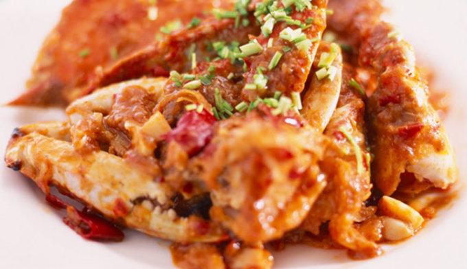 Hải sản, Hàn QuốcMùa thu đánh dấu mùa của ba loại hải sản phổ biến nhất quốc gia: cua xanh, tôm jumbo và cá gizzard shad. Ghẹ xanh béo được nấu trong súp mặn hoặc hấp, cá gizzard shad được ăn sống như sashimi hoặc nướng. Tôm he mọng nước và béo ngậy cũng được dùng để ăn sống, hoặcc nướng. Cách ăn phổ biến hất cho món tôm này ở Hàn Quốc là bóc vỏ, nhúng vào giấm và nước sốt ớt đỏ, theo Korea Stripes. Ảnh: pocketwifikorea2w