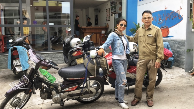 Mr. Bang and his daughter met in Nha Trang City.  He drove a friend's Honda Dream from Ho Chi Minh City, while Trang drove an Air Blade from Hanoi.