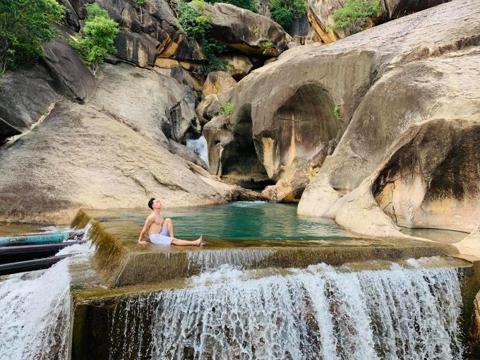 Ninh Thuận khám phá Con suối có ba hồ nước