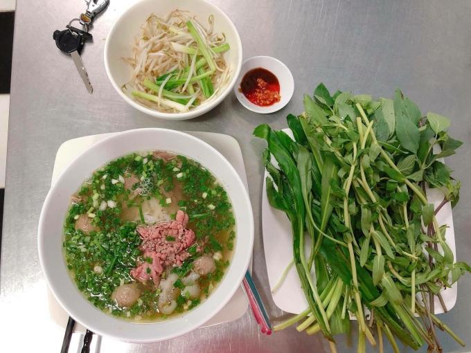 Đủ món ngon ở quán quen Sài Gòn bán mang về - 5