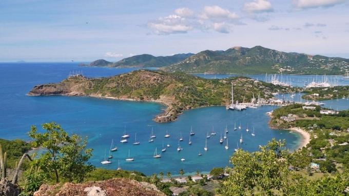 Hòn đảo Montserrat có diện tích gần bằng thành phố Barcelona (Tây Ban Nha với dân số gần 5.000 người. Ảnh: euronews