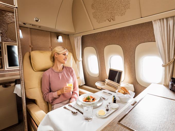 Được nâng hạng miễn phí luôn là mơ ước của những hành khách đi máy bay. Ảnh: Emirates