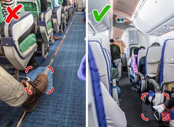 Đi tất khi lên máy bayNhiều du khách có kinh nghiệm thường mang lên máy bay một vài đôi tất mới. Không khí trên máy bay thường lạnh, và việc đi giày suốt chặng bay thường không thoải mái. Do đó, việc đi một đôi tất mới sau khi đã tháo giày giúp bạn giữ ấm chân, và thoải mái hơn, cũng như không làm phiền người khác vì mùi chân. Điều cần ghi nhớ là bạn nên đi giày khi vào nhà vệ sinh, hoặc di chuyển trên lối đi. Ảnh: Deposit Photos