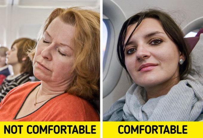 Không để cổ hởCổ hở là một trong những lí do khiến bạn có thể cảm thấy lạnh và khó chịu khi ngồi. Do đó, nếu bạn che cổ bằng một chiếc khăn, hay một chiếc áo có cổ, bạn sẽ thấy cổ mình ấm hơn, và có cảm giác dễ chịu hơn suốt chuyến bay. Ảnh: Deposit Photos